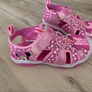Disney Minnie Mouse rugged soles shoes 11